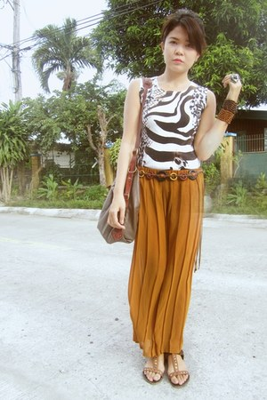 burnt orange pleated thrifted pants - black animal print random top