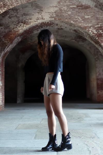 black Zara boots - black Forever 21 sweater - beige Kahlo shorts
