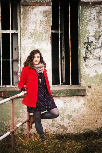red wool thrifted vintage coat - navy Camaïeu dress