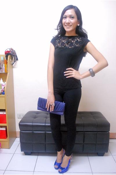 black thrifted top - black leggings - blue made in korea shoes - blue preston&yo