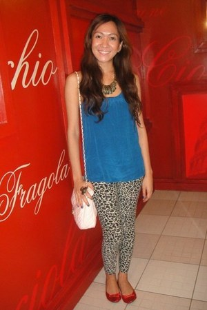 leopard print SO Fab leggings - bubble gum purse - red ballet Frolic flats - blu