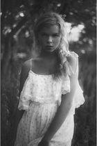 white vintage gunne sax dress