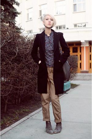 Peacocks shoes - Pinko coat - Mango bag - H&M top - Zara pants