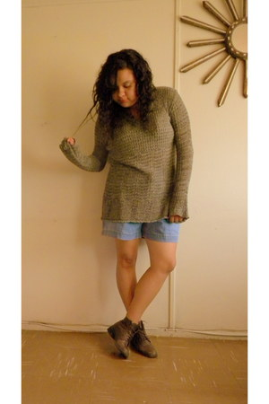 dark brown boots - olive green sweater