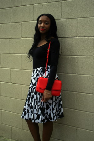 black cotton American Apparel bodysuit - red leather Zara bag