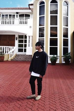 tan Zalora shoes - black nike sweater