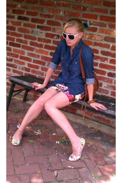 brown balenciaga purse - blue banana republic shirt - white glassing sunglasses