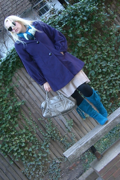 purple banana republic coat - blue Fornarina boots - blue banana republic scarf