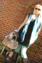 Urban Outfitters tights - banana republic scarf - balenciaga purse - Rockport bo