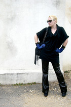 black peoples market sweater - black LEI pants - blue banana republic gloves - b