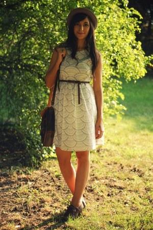 off white wayward daughter dress - crimson Chie Mihara shoes - tan H&M hat