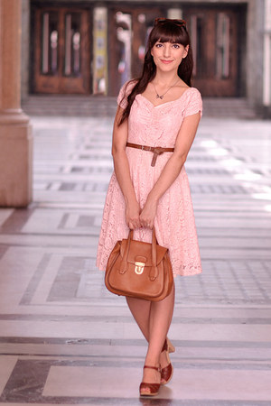 light pink vintage dress - brick red Swedish Hasbeens shoes - brown max&co bag