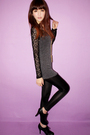 Gray-blazer-black-leggings-gold-forever-21-necklace