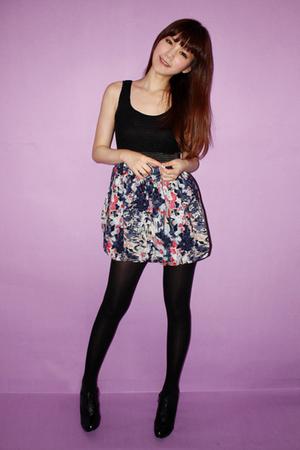 dress - stockings