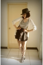 silver top - beige sweater - black skirt - black tights - black boots - black ha