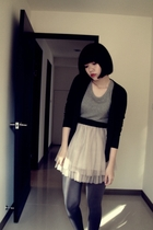 gray top - black sweater - beige skirt - gray tights