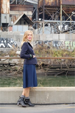 linen Apolis scarf - Swedish Hasbeens boots - JCrew blazer - henley ADAM shirt