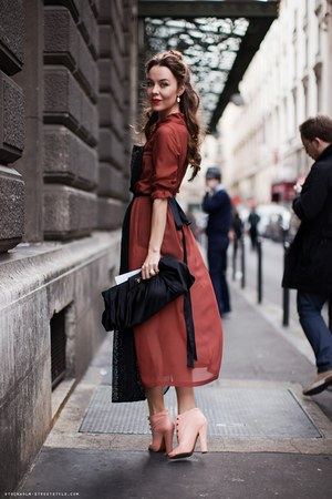 brick red eloquent dress - light pink cute heels - black Prada accessories - whi