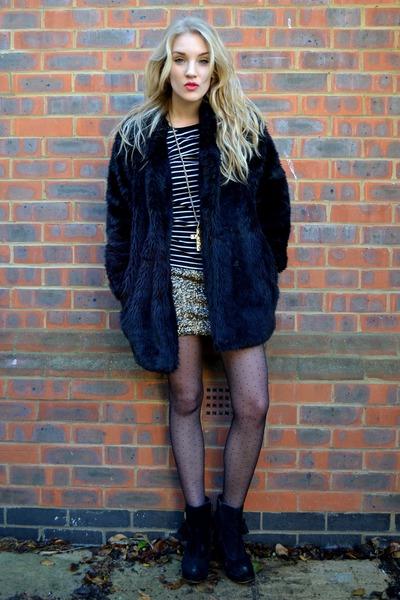 gold AX Paris dress - black Primark boots - black faux fur coat Motel Rocks coat