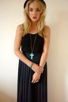 turquoise blue Primark bracelet - black felt bowler H&M hat