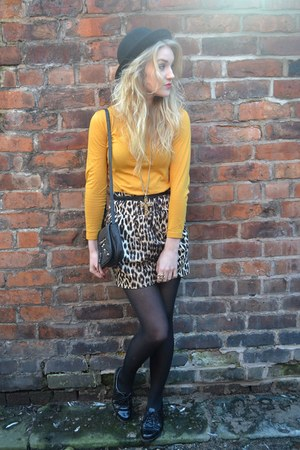 brown new look skirt - black Leila London bag - gold Gogo Philip necklace