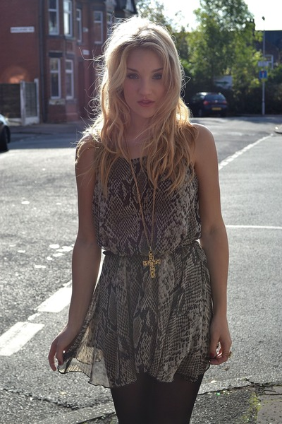 beige Love dress - gold Gogo Philip necklace