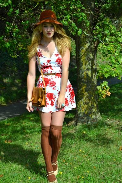red floral skater new look dress - tawny floppy 70s vintage hat