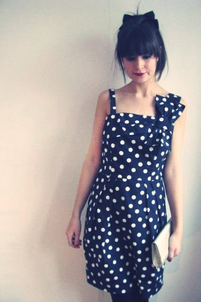 polkadots bow thrifted vintage dress - glitters vintage bag