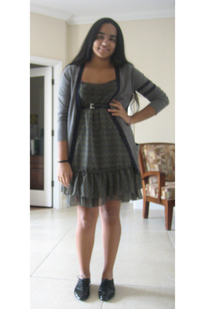 Charlotte Russe belt - forever 21 dress - forever 21 sweater - vagabond shoes