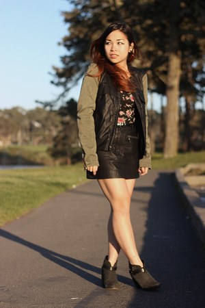 olive green Zara jacket - dark gray rag & bone boots - black Forever 21 top