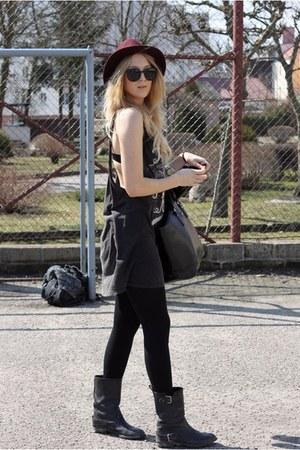 black Zara boots - magenta H&M hat
