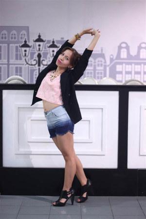 random blazer - Dollhouse  SM GTW shorts - Betty SM GTW top - Steve Madden heels