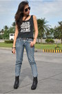 Black-rome-boots-periwinkle-bny-jeans-black-playboy-top