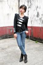 dark brown Schu boots - navy BNY jeans - black thrifted blazer
