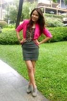 pink blazer Zara blazer - gray booties Parisian boots