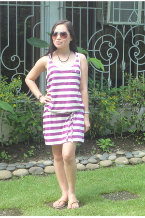 purple stripes Forever 21 dress - chartreuse longchamp bag