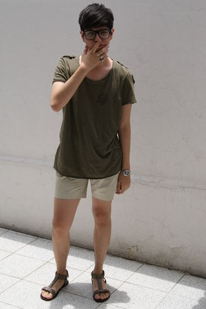 green Zara t-shirt - beige shorts - silver Zara shoes