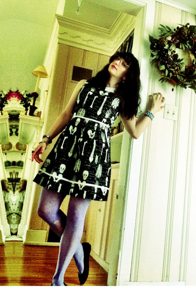 black skeleton print dress - periwinkle stockings