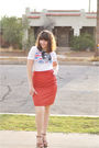 Red-skirt-white-t-shirt