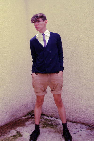 beige Old Navy shorts - white Tommy Hilfiger shirt - blue Urban Outfitters cardi