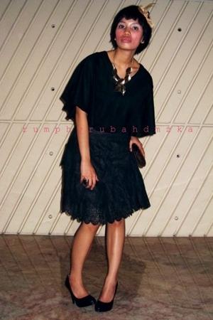 myfriend shop top - Fossil accessories - Aldo necklace - snake skin shop purse -