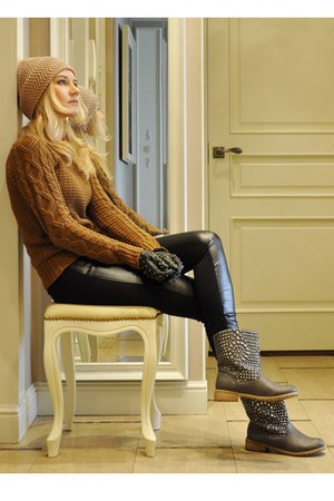 charcoal gray River Island boots - brown Zara sweater - black Zara leggings