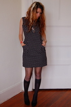 geary roark kamisato dress - DKNY tights - Nine West shoes