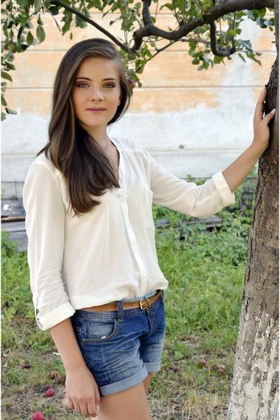 white Bershka blouse - blue jeans Takko shorts - bronze random brand belt