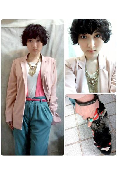neutral boyfriend blazer blazer - bubble gum pink belt belt - white Tee t-shirt