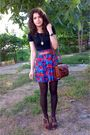 Black-only-t-shirt-shorts-brown-tights-brown-marc-chantal-purse-brown-ne