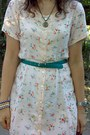 Peach-thrifted-floral-dress-crimson-vintage-purse-teal-thrifted-belt