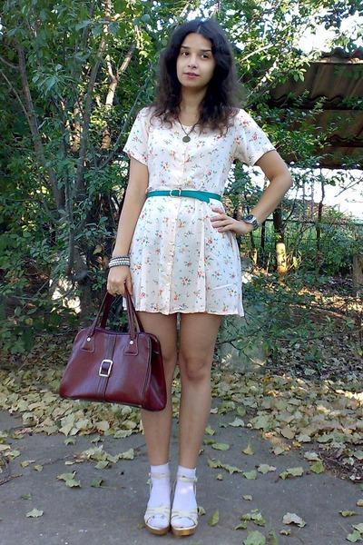 teal thrifted belt - peach thrifted floral dress - crimson vintage purse