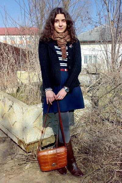 navy skirt - dark brown boots - black striped sweater - black blazer