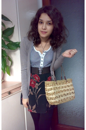 trifted basket bag - blue Pimkie shirt - brown cardigan - gift floral skirt